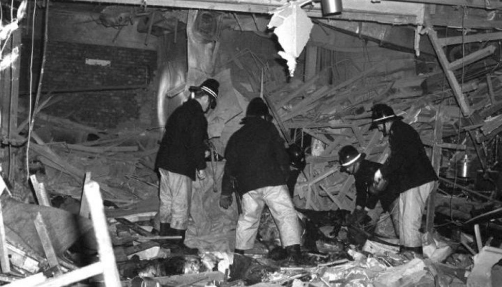 97727646_News_Firemen_at_work_following_the_Birmingham_pub_bomb_attacks